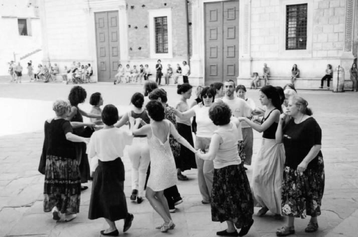 WEEK-END AD ORIOLO ROMANO: Danze per bambini / danze internazionali